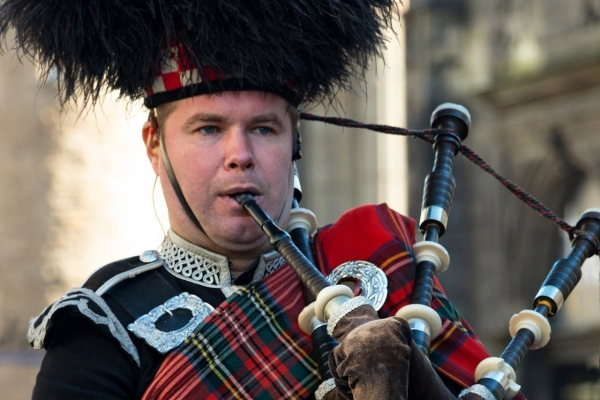 bagpipes private day tour from edinburgh